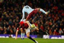 Manchester United ditahan imbang Aston Villa di Old Trafford skor 2-2