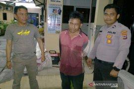 Satuan Sabhara Polresta Banjarmasin tangkap pria diduga curi pipa pagar jembatan