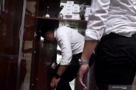 Pemilik pabrik gawai ilegal miliki ruangan tersebunyi