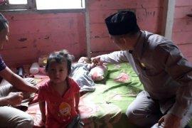Anggota DPRK Aceh Utara kunjungi bayi bocor jantung