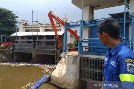 Pintu air di Jakarta siaga dua