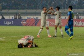 Kapten Persela Eky Taufiq menilai Liga 1 dipusatkan di Jawa beri keuntungan