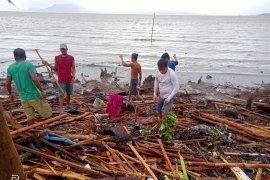 Korban tewas akibat topan di Filipina mencapai 10 orang