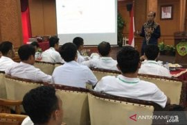 "Pendamping Program Pemberdayaan Desa/Kelurahan Jangan ""Main"" Proyek"