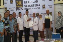 Sukhairi kembalikan berkas pendaftaran ke PKS