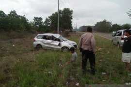 Tiga orang alami luka ringan dalam kecelakaan dekat Jembatan Emas