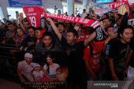Klasemen Liga 1 sepak bola  Indonesia hingga 32 pertandingan