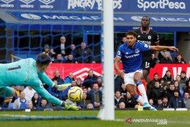 Liga Inggris: Everton tinggalkan zona degradasi usai jungkalkan Chelsea