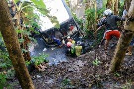 Kecelakaan bus rombongan guru TK