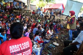 BNPB - BPBD Maluku sosialiasi mitigasi dan penanganan dampak gempa di Ambon