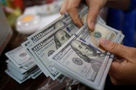 Dolar AS jatuh ketika langkah ambil risiko tingkatkan saham
