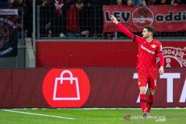 Alario antarkan Leverkusen menang 2-1 atas Schalke