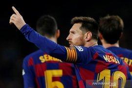 Barcelona dan Real Madrid saling gusur di puncak klasemen Liga Spanyol