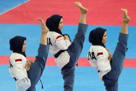 Pelatnas taekwondo berlatih di gunung dan pantai guna tingkatkan fisik