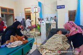 49 warga Lubuk Palas Asahan diduga keracunan makanan