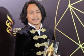 Muhammad Khan raih aktor terbaik di festival film Indonesia 2019