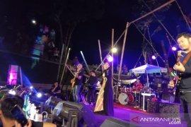 Tata Janeeta tampil memukau konser Symphony Rengganis Situbondo (Video)
