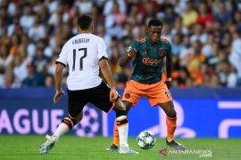 Hadapi Valencia, Ajax tak diperkuat Quincy Promes