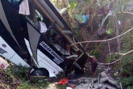 Kasus kecelakaan bus di Blitar, polisi belum bisa minta keterangan sopir