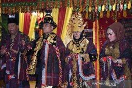Istri Moeldoko ditabalkan marga Nasution
