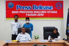 BNNP Malut tangkap tukang ojek diduga kurir narkoba