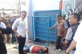 Seorang pelaku curanmor tewas mengenaskan dihakimi warga