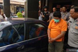 Polisi Tulungagung tangkap pelaku penggelapan mobil, korbannya masih tetangga