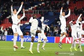 PSG dan Real Madrid tutup penyisihan grup A dengan kemenangan