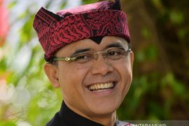 Azwar Anas: Pengelolaan pariwisata perlu paradigma baru