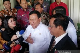 Bertemu Mahfud, Prabowo minta petunjuk soal kontrak alutsista