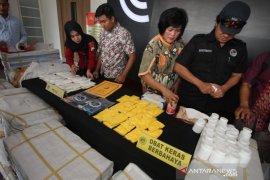 Polrestabes Surabaya ungkap peredaran jutaan butir pil koplo