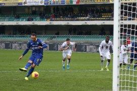 Verona bangkit dari kemasukan tiga gol untuk tahan imbang  Torino 3-3