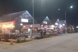 Tempat peristirahatan  tol jadi ajang pasar produk lokal