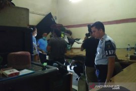 Petugas gabungan geledah Lapas Tasikmalaya antisipasi peredaran narkoba