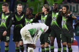 Gladbach gagal rebut puncak klasemen setelah ditaklukkan  Wolfsburg