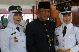 Dua istri Wakil Bupati Blitar dilantik jadi kepala desa