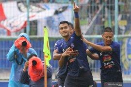 "Kemenangan Arema FC 3-2 atas juara Liga 1 ternoda ""flare"""