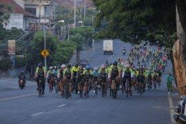 """400 peserta ikuti """"Gowes Bike for Bali 72.7 km"""" peringati Hari Juang TNI"""