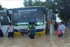 Hampir semua wilayah di Kota Tebing Tinggi digenangi banjir