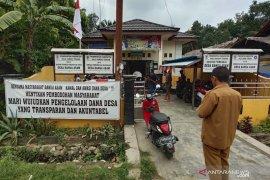 Warga Desa di HST tuntut transparansi dana desa