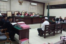 Tiga terdakwa kasus korupsi Jasmas Surabaya mengajukan eksepsi