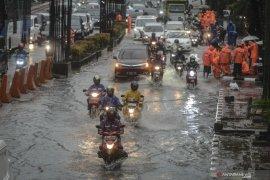"""Dinas SDA: Genangan di Jakarta karena """"antrean air"""" tidak seimbang"""