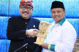 Wagub Jawa Barat belajar cara tangani kemiskinan ke Bali