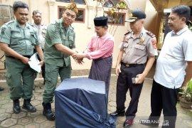 Cendrawasih peliharaan pesantren diserahkan ke BKSDA Garut