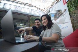 "Lenovo kenalkan ""ThinkBook 14"" di Surabaya"