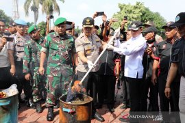 Polresta Bogor Kota musnahkan barang bukti 15.250 botol miras dan 5.000 gram ganja