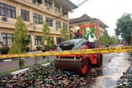 Polda Banten musnahkan 33.168 botol miras hasil Ops Sikat Kalimaya 2019