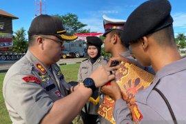 Polsek Singkawang Selatan ajak pengendara istirahat di pos pengamanan Bundaran Sakok