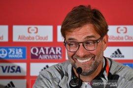 Klopp sumringah simak pelatih Arsenal Wenger puja puji Salah