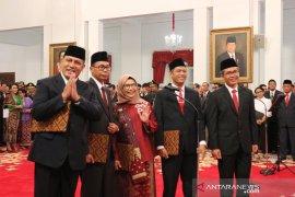 Pengambilan sumpah lima Komisioner KPK di depan Presiden Jokowi